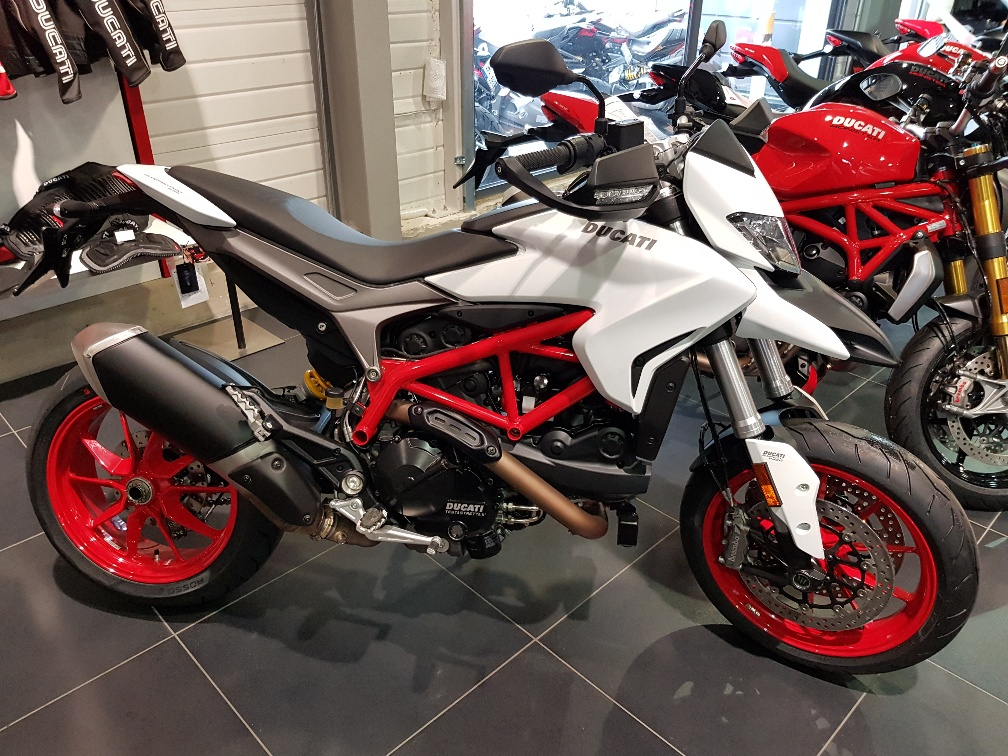 ducati hypermotard 939 occasion motos steam ain 1 s team motos. Black Bedroom Furniture Sets. Home Design Ideas