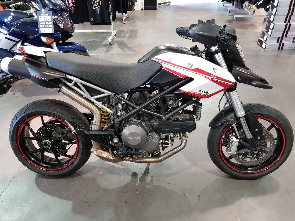 ducati occasion hypermotard 796 steam motos permis a2 3 s team motos. Black Bedroom Furniture Sets. Home Design Ideas